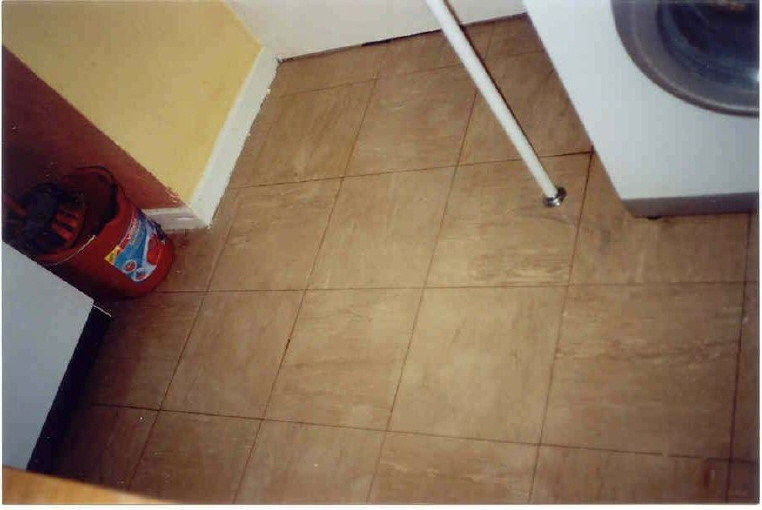 How to remove ceramic tile from floor